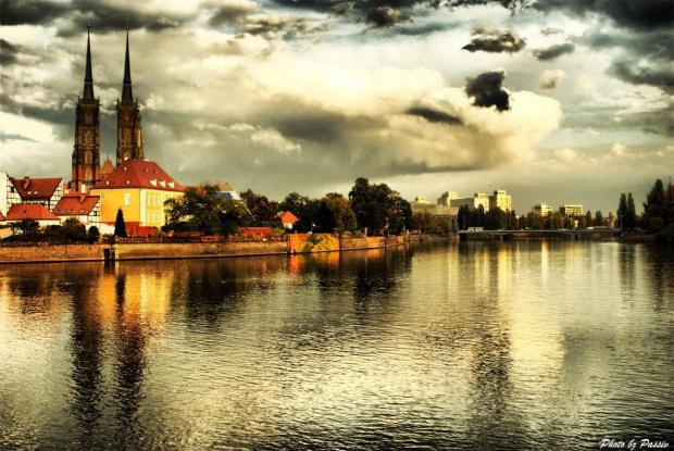 Wrocław... #wrocław #nikon #airking #passiv #hdr #miasto #jesień