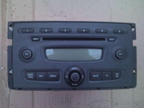 Poszukuję wyświetlaczy do radioodtwarzaczy Mercedes/Smart .