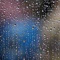 W przygnębiającą pogodę... :) również pojawia się uśmiech :) #krople #woda #deszcz
