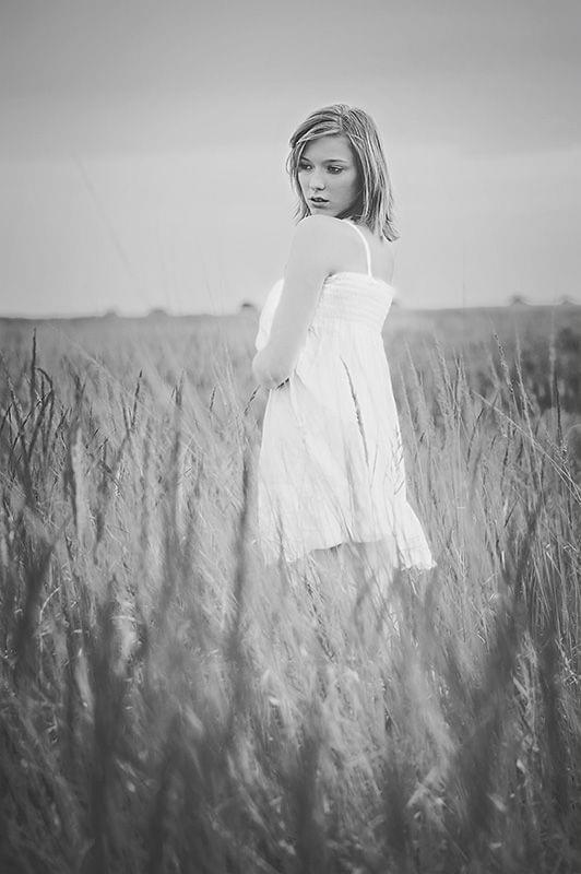 Kasia #kobieta #dziewczyna #portret #łąka #pole #passiv #airking #nikon #d700