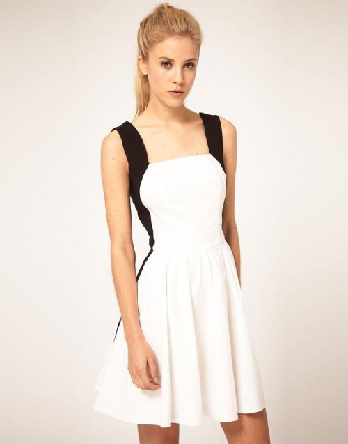 biała sukienka z wstawkami czarnymi, ubrania
