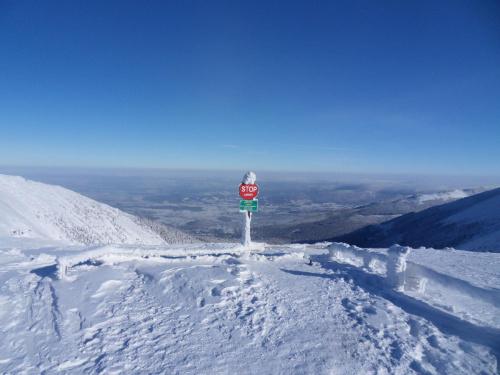 W drodze na Śnieżkę.Dziś tędy nie przejdę :) #góry #karkonosze #zima